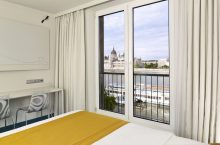art'otel budapest art room view